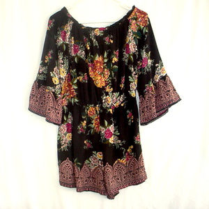 NWT Pretty Black Floral Romper Angie Large Jr Size